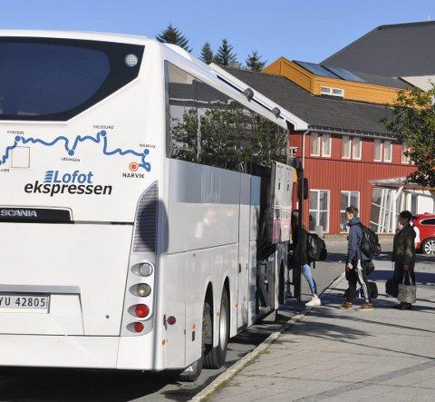Beklager: Per Hansen i Boreal Buss AS beklager hendelsen i forrige uke der passasjerer mistet flyet fordi de måtte gå av en full buss og ikke kom seg videre tidsnok