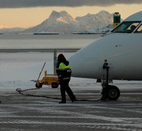 Direktefly: Neste år kan VM deltakerne reise direkte med fly fra Oslo til VM-byen Svolvær. De som har minst tid til rådighet kan reise nordover torsdag, dra på havet fredag og lørdag. Få med seg VM-festen lørdag kveld og returnere søndag midt på dagen slik at de også rekker søndagsmiddagen hjemme i Oslo.