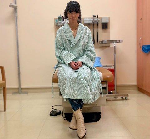 KJEMPER VIDERE: Her er Elisabeth Rasmussen på sykehuset i New York. Planen er at hun skal starte kreftbehandlingen torsdag 20. februar.