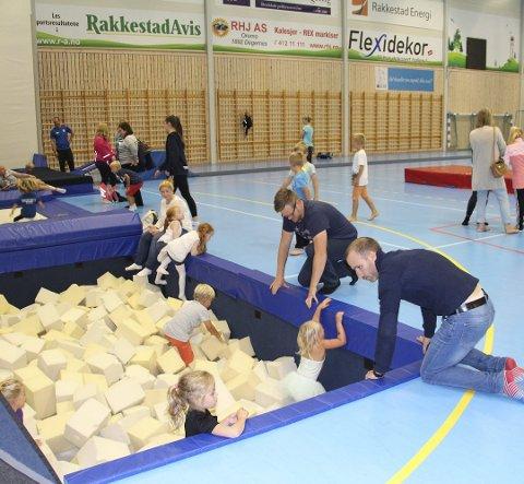 FULL RULLE I HALLEN: 21. september inviterer turngruppa til RIF til åpen dag i Rakkestadhallen for barn i aldersgruppen 0–6 år. Foto: Illustrasjonsfoto