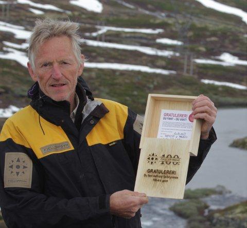 JUBILEUMSGÅVE: Finn du skrinet som Harald Skjerdal har lagt ut ein stad i Aurlandsfjellet, kan du fiska gratis – med stong – resten av livet.