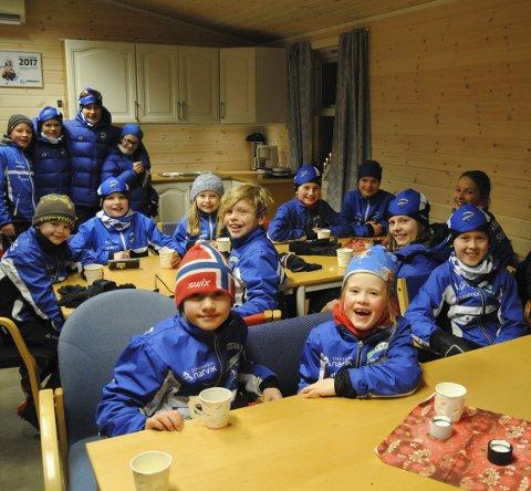 Sist helg: 8.-10-desember - var det klubbsamling, med nytt klubbygg for Medvindmidlene.  Ankenes skiklubb arrangerte