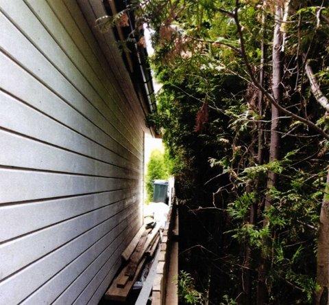 Da garasjen skulle rives og bygges på nytt ville naboen også fikse på det gamle gjerdet som stod mellom tomtene.