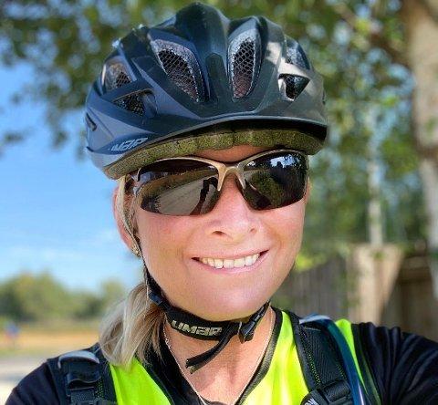 TUR MED MENING: Heidi Åsland Slåttsveen har fått med seg mann og søster på en reise som skal bidra til å gi barn en bedre barndom.