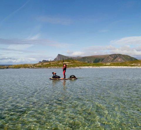 Banebryterne:  De siste tre månedene har familien Alm/Helgesen gjort noe ingen før har gjort. På oppblåsbare SUP-brett har de padlet seg gjennom hele Nordland, en stekning på rundt 500 kilometer.