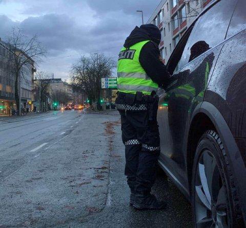 Politiet hadde atferdskontroll i Kongens gate tirsdag morgen.