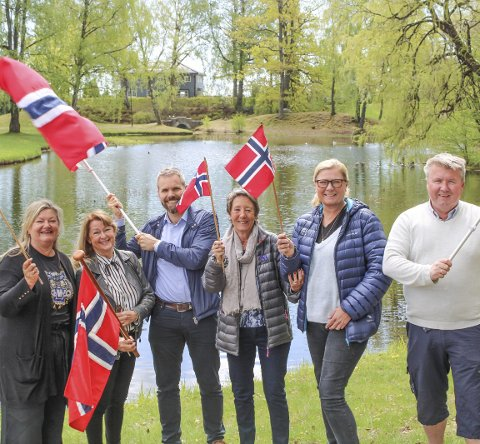 FORTSETTER TRADISJONEN: Anne Schmidt-Hanssen, Tone Lind Jørgensen, Håkon Haugan, Signy Andersen, Linda Lorentzen og Tom Lilleberg.