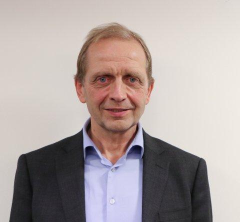 ENSTEMMIG VEDTATT: Gunnar Line (Sp) la på vegne av Rakkestad Senterparti, Høyre og Kristelig Folkeparti fram åtte forslag til budsjett. Alle ble enstemmig vedtatt.