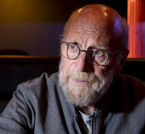 Ung: Selv om Godthard fyller 70 år, holder han seg ung med en kone på 48, en 16 år gammel datter, samt to eldre barn. Han har ingen planer om pensjonere seg helt.Foto: Arne Ristesund
