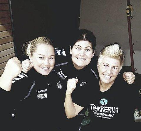 TRENERTRIO: Line Myhre (til venstre) Jeanette Eriksen og Hege Pettersen kan smile så langt i sesongen.