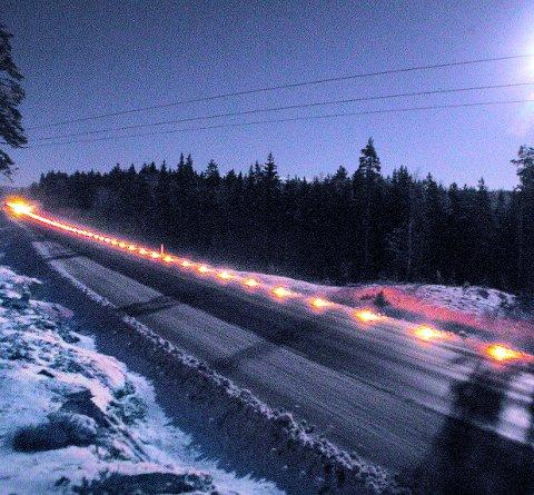 LYS LANGS VEIEN: Torsdag skal det tennes lys til minne om trafikkofrene i Hedmark i 2016.