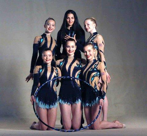 GULLVINNERE: Kaisa Dalen Jensen, Feyme Mestanli, Selma Karlsen, Elise Fjeldheim og Emilie Saltvedt. Trener er bulgarske Stela Sultanova.