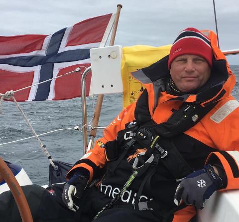 ELSKER Å SEILE: Det har blitt mange turer over Nordsjøen fra Orknøyene til Karmøy for Simon Wallhead.