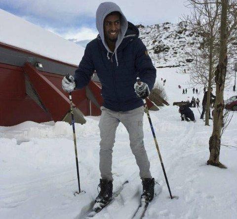 Skiglede: Det er ikke bare å gå på ski når du ikke har lært det fra du var liten. alle Foto: Heidi Anita Mathisen