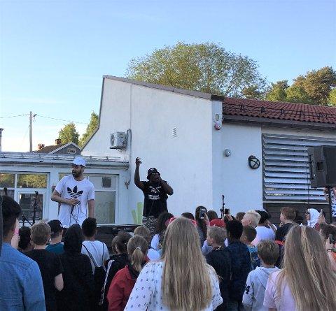 KJENDISER: På scenen sto også Hkeem og Temur, som topper den norske Spotify- lista med singelen «Fy Faen»