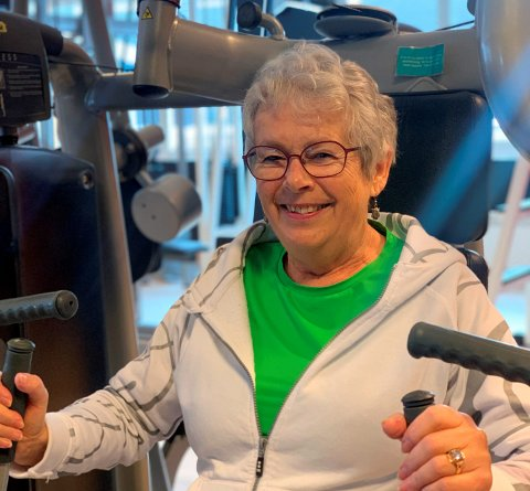 Aud Leren fra Otta trener jevnlig, og synes det er kjempeålreit.