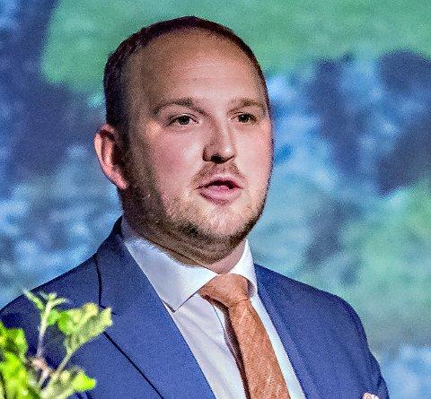 LEDER: Landbruks- og matminister Jon Georg Dale leder årets jury i forbindelse med kåringen av Årets Bonde 2017.