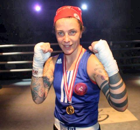 Grethe Kraugerud fra Rakkestad er to ganger norgesmeter i boksing.