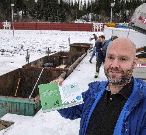 POPULÆRT: Klippekort for levering av avfall har vært populært, og videreføres. Kommunikasjonsansvarlig Geir Benden sier at det nå blir tre klipp. Foto: Øyvind Bratt