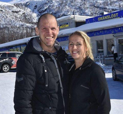 HÅP: Anna Strandgren driver Gränslöst i Umfors sammen med Ludvig Öberg. Hun håper nordmennene kommer tilbake snart.