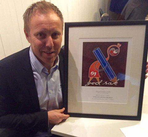 Tor Viskum mottok bemerkelsen på vegne av SA.
