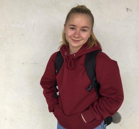 DELTIDSJOBB: Emma Berg (15) har deltidsjobb på Peppes Pizza.