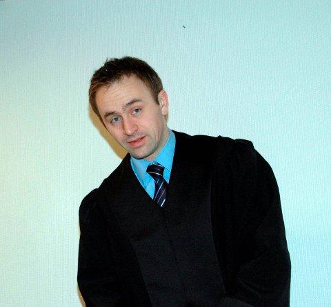 SKULLE GI SEG: Da 35-åringen forklarte seg i retten i 2014 lovet han at kriminalitet var et tilbakelagt stadium. Nå er han dømt igjen. Politiadvokat Asle Sandnes var aktor i saken. FOTO: JARLE PEDERSEN
