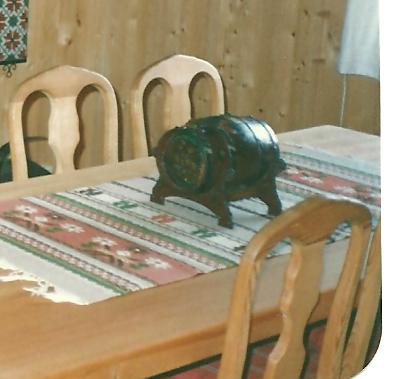 EN LITEN TØNNE: Denne har også blitt stjålet på Miland/Rjukan.