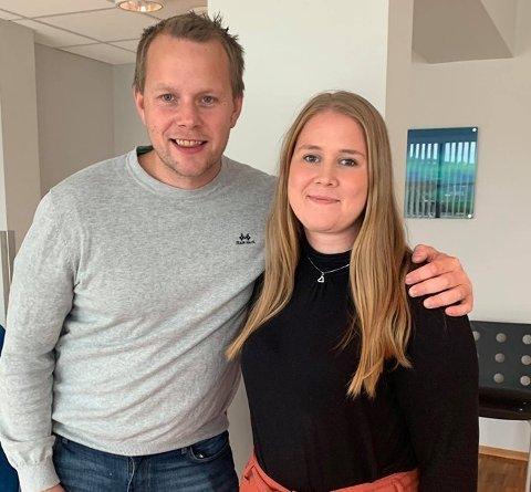 VIL LYTTE: Gruppeleder Dorthea Elverum og lokal partileder for Senterpartiet i Stjørdal, Tor Helge Forbord Slind, forteller at det er skepsis til planene om vindkraftutbygging i Stjørdal. Samtidig ønsker de en saklig debatt om det kontroversielle temaet.
