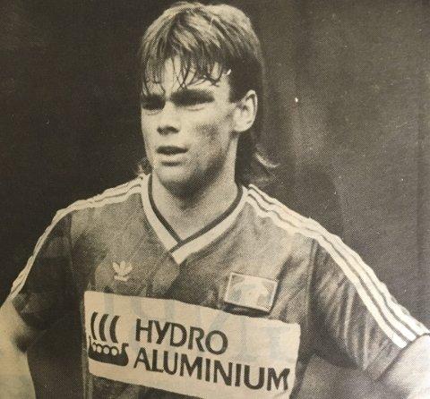 Fotball: Sigbjørn Utne spilte aktivt fotball i sine unge år. Dette bildet er fra mai 1988.Foto: Gjermund Svinsås