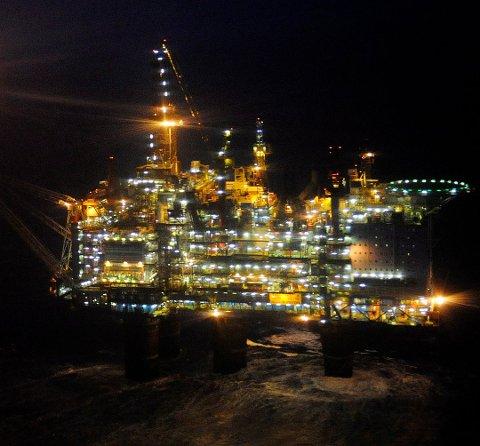 KCA Deutag har fått utviedet kontraktene sine blant annet på Gullfaks-feltet. Bildet viser Gullfaks A. FOTO: HARALD PETTERSEN, STATOIL