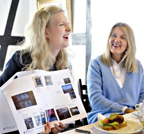 Kurator: Sandra Lorentzen (t.v.) har fått drømmejobben som kurator for sommerens utstillinger på Blaafarveværket.