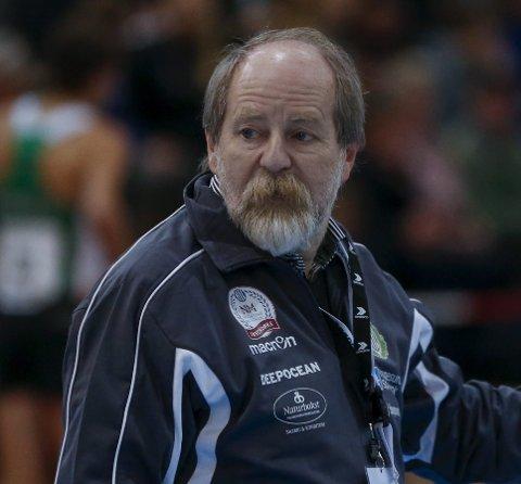TRENER: Kåre Osnes er trener for mellomdistanseløperne i HIL.