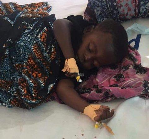 TRAGEDIE: Denne skjønne jenta er død. Ho fekk ikkje naudsynte malariamedisiner. Det tragiske dødsfallet gjorde at Marian Ripel ville gjera noko. (Foto: Privat)