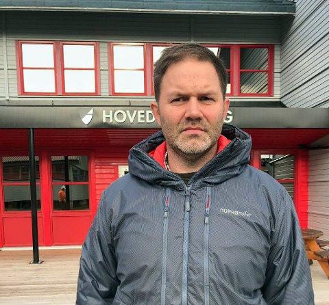 Lokalstyreleder Arild Olsen i Longyearbyen sier hendelsen der en mann ble drept av isbjørn er tragisk.