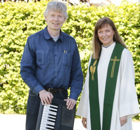 GLEDER SEG: Kantor Jostein Grolid og prost Hege Fagermoen i Søndre Follo håper på god oppslutning om søndagens mart'n-gudstjeneste. FOTO: STIG PERSSON