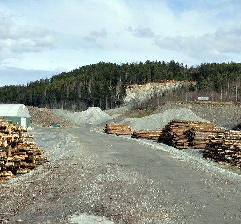 Massetak: De tre massetakene Lillehammer pukkverk, Tømten massetak og Rudshøgda massetak får utvidet driftstiden sin med halvannen måned.