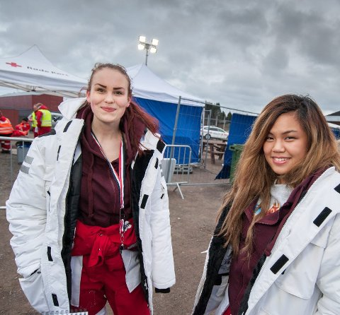 Aslan: Maria Sandum Bergh (18, t.v.) og Kim Thien Tran (18) har valgt navn fra Narnia på sin russegruppe.