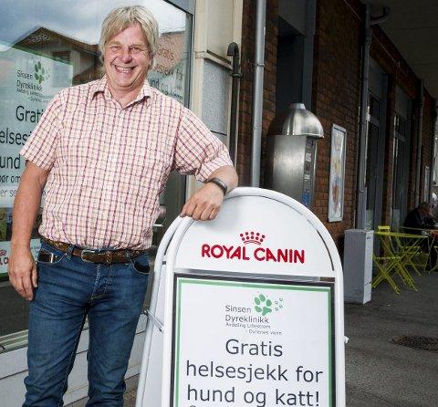 KOSTER FOR MYE: – Jeg ser ikke at høye priser handler om annet enn man ønsker å ta ut mer profitt, mener Geir Marring, eier av billigklinikken Dyrenes Venn i Lillestrøm.FOTO: YLVA SEIFF BERGE