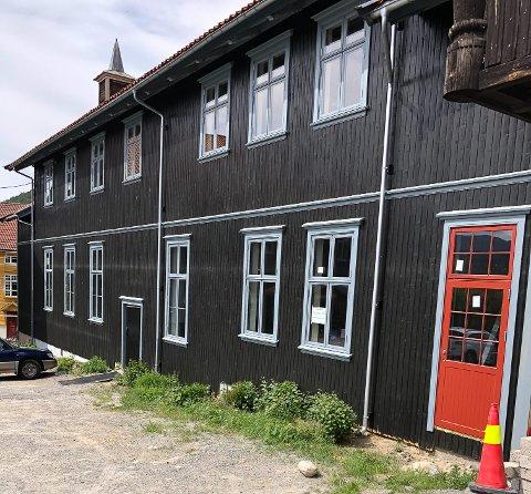 FORTSETTER: Arbeidene ved Skoland og Storsalen kan fortsette med de ekstra 5,9 millionene som Notodden kommune får.
