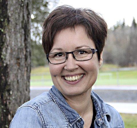GLAD: Rådmann Anita Ørsal Oterholm er glad for gode nyheter om lavt sykefravær, og lover at det fortsatt blir fokus på dette arbeidet. - Vi kan ikke slippe dette selv om tallene er oppløftende nå, sier Oterholm