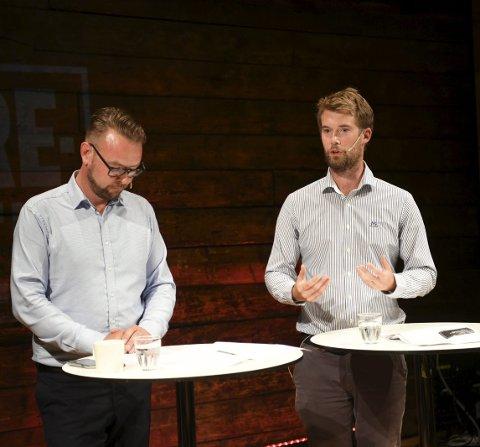 Høyres byrådslederkandidat, Harald Victor Hove og Venstres førstekandidat og nåværende byråd, Erlend Horn, deltok i Spørretimen på Litteraturhuset i går kveld. Der fikk de bryne seg på en rekke spørsmål fra de fremmøtte. Foto: Rune Johansen