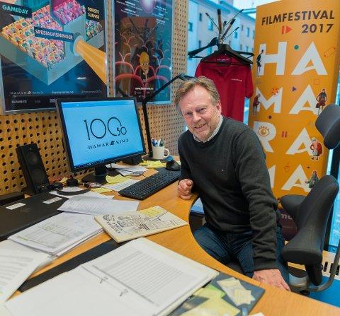 HEKTISK: Kinosjef Espen Jørgensen går inn i et travelt jubileumsår for Hamar kino.