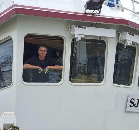 Kapteinen på Sjohav, Svein Erik Bakke, håpar kundane får kjøpt fersk skrei i butikkane no. Foto: Privat