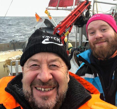 LÆRER PAPPAS YRKE: Fiskerne blir eldre og får ikke påfyll i bunn. Ola Salmi Seipæjærvi (27) trengte en pause fra jobben i Oslo og kom hjem til Bugøynes, men uten flere unge tilflyttere regner han ikke med å bli værende.