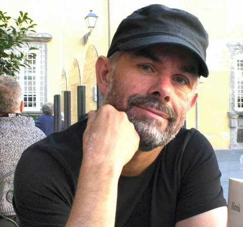 FORNØYD: Produsent i Grenland Friteater, Hans Peter Eliassen gleder seg til å komme til Kongsberg.