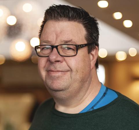 Sverre Kleivkås (48) blir ny økonomisjef i Flakstad kommune i Lofoten.