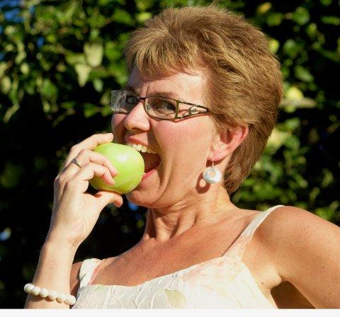 Snart er det tid for norske epler, da oppfordrer Kathrine Kleveland deg til å kjøpe gode norske epler.