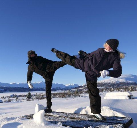 Yogahelg: Det handlet om kroppsbeherskelse og pust da det norske taekwondo-landslaget gjestet Nøsen i helgen.
