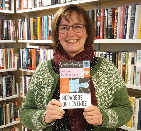 BOKANBEFALING: Biblioteksjef Marianne Kolstad anbefaler «Reparere de levende» av Maylis de Kerangal.